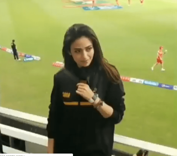 Awesome Photos of Gorgeous Actress Sana Javed at Opening Ceremony of PSL4 Last Night