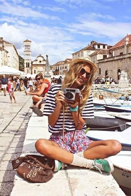 Stylish New Summer Holiday Outfits ideas for women For Yr 2019-20
