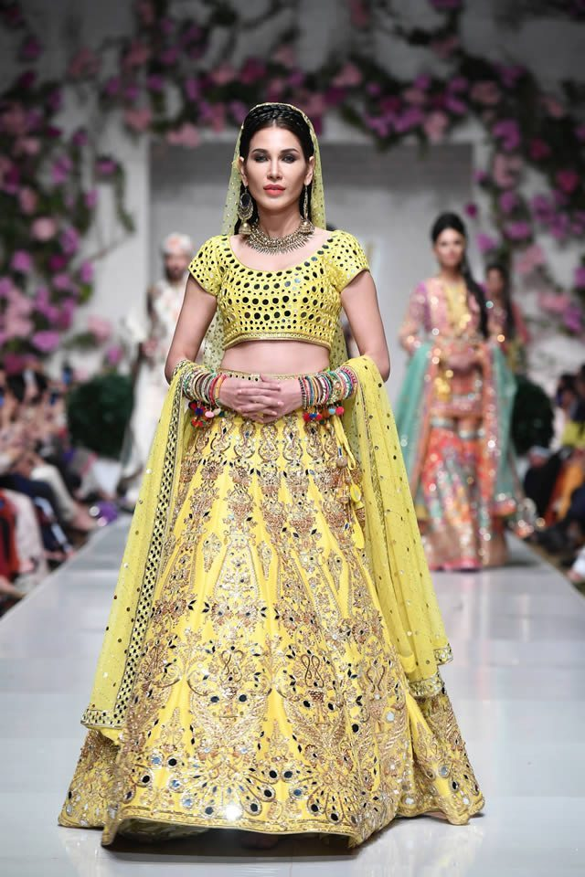 Stylish New Arrival Nomi Ansari Bridal Wear Collection March For Yr 2019 At FPW for Men's And Women