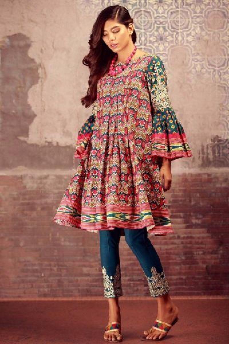 Stylish New Elegant Winter Pakistani Girls Frock Styles For Yr 2019