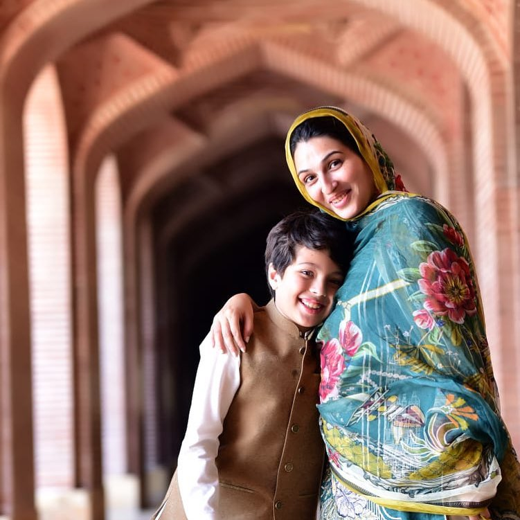 Awesome New Photos of Iqrar ul hassan with his Wife Qurat ul Ain and Son Pehlaaj