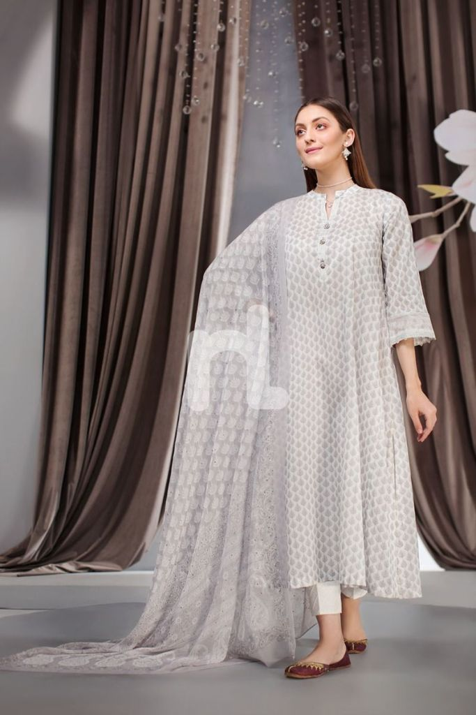 Stylish New Nishat Linen Eid Collection For Yr 2019 Unstitched Suits Online Available