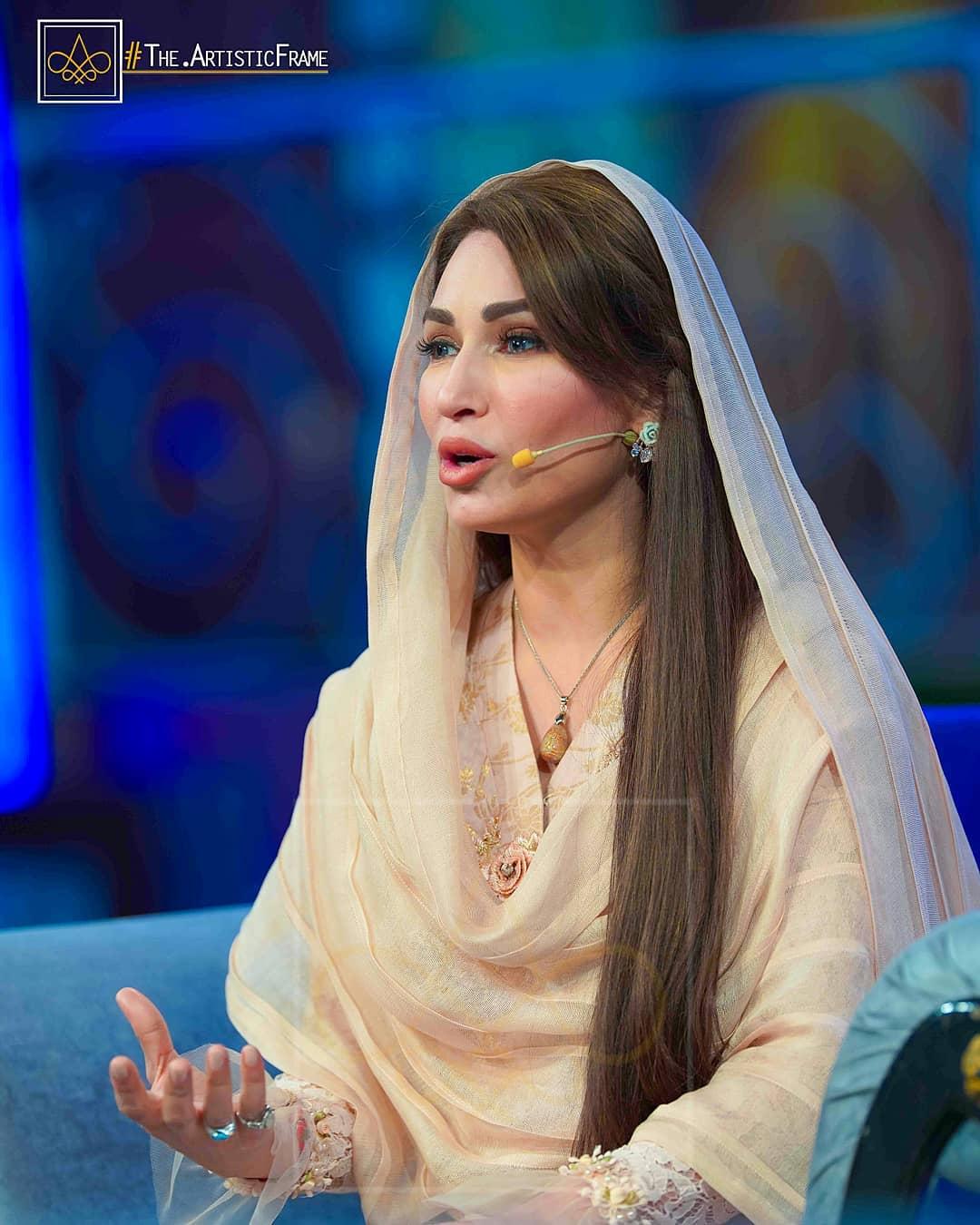 Zara Noor Abbas and Asad Siddique in Aaj TV Ramzan Entertainment