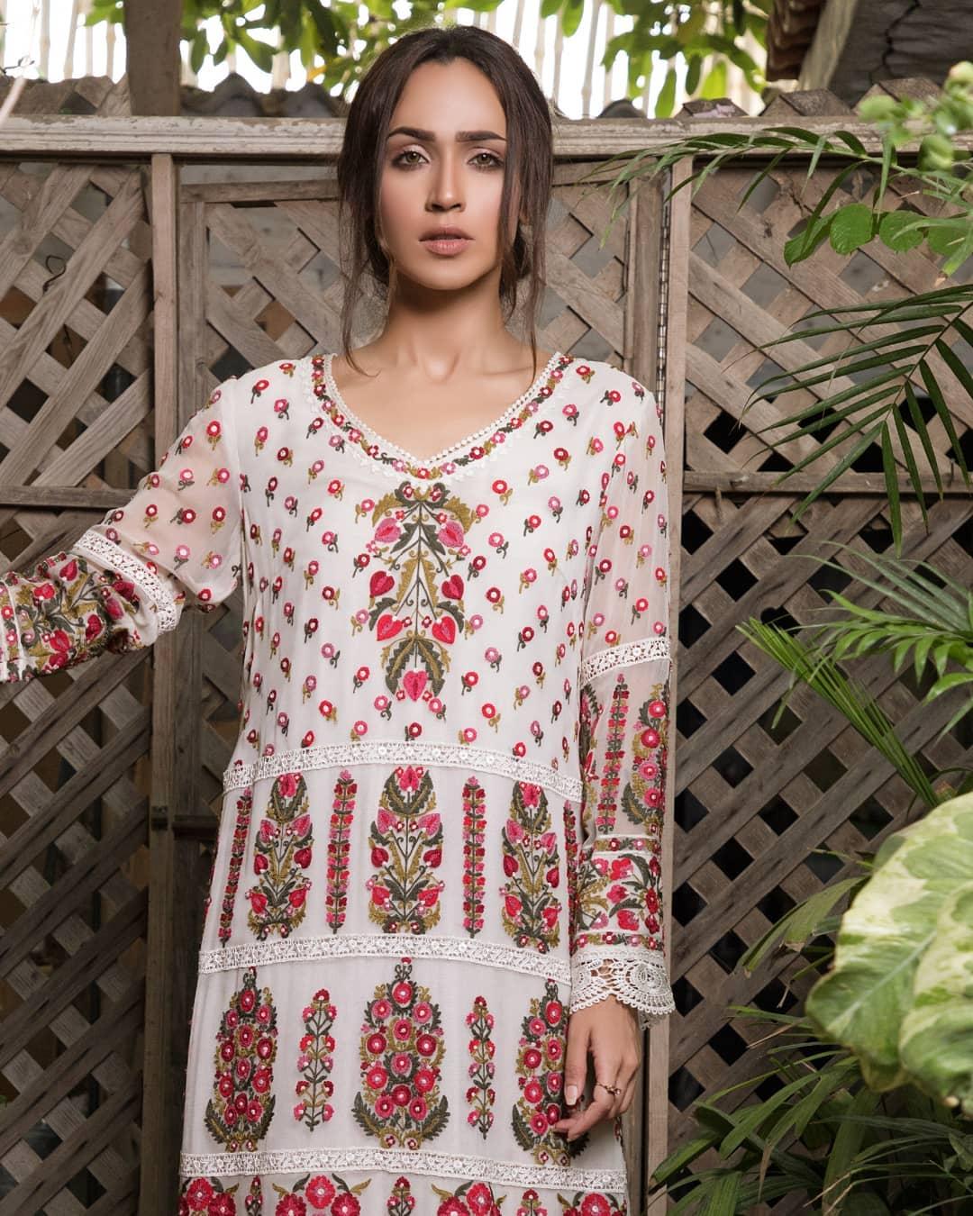 Faryal Mehmood Looking Beautiful in her Latest Photo Shoot