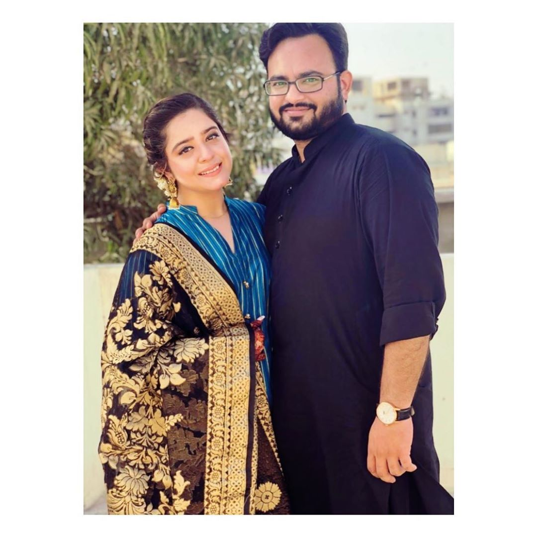 Awesome Eid Photos of Actress Sarah Razi with her Husband
