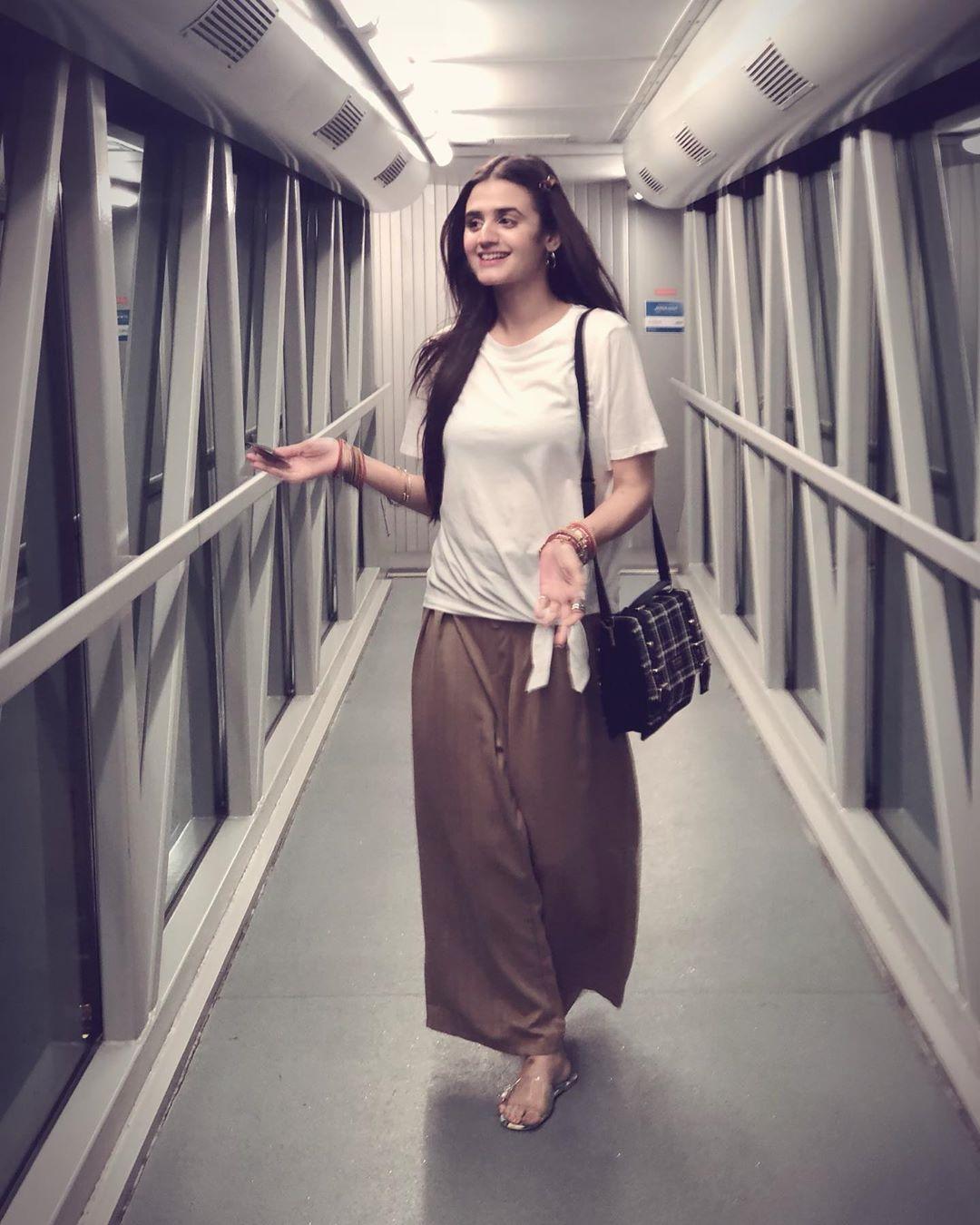 New Awesome Clicks of Actress Hira Mani