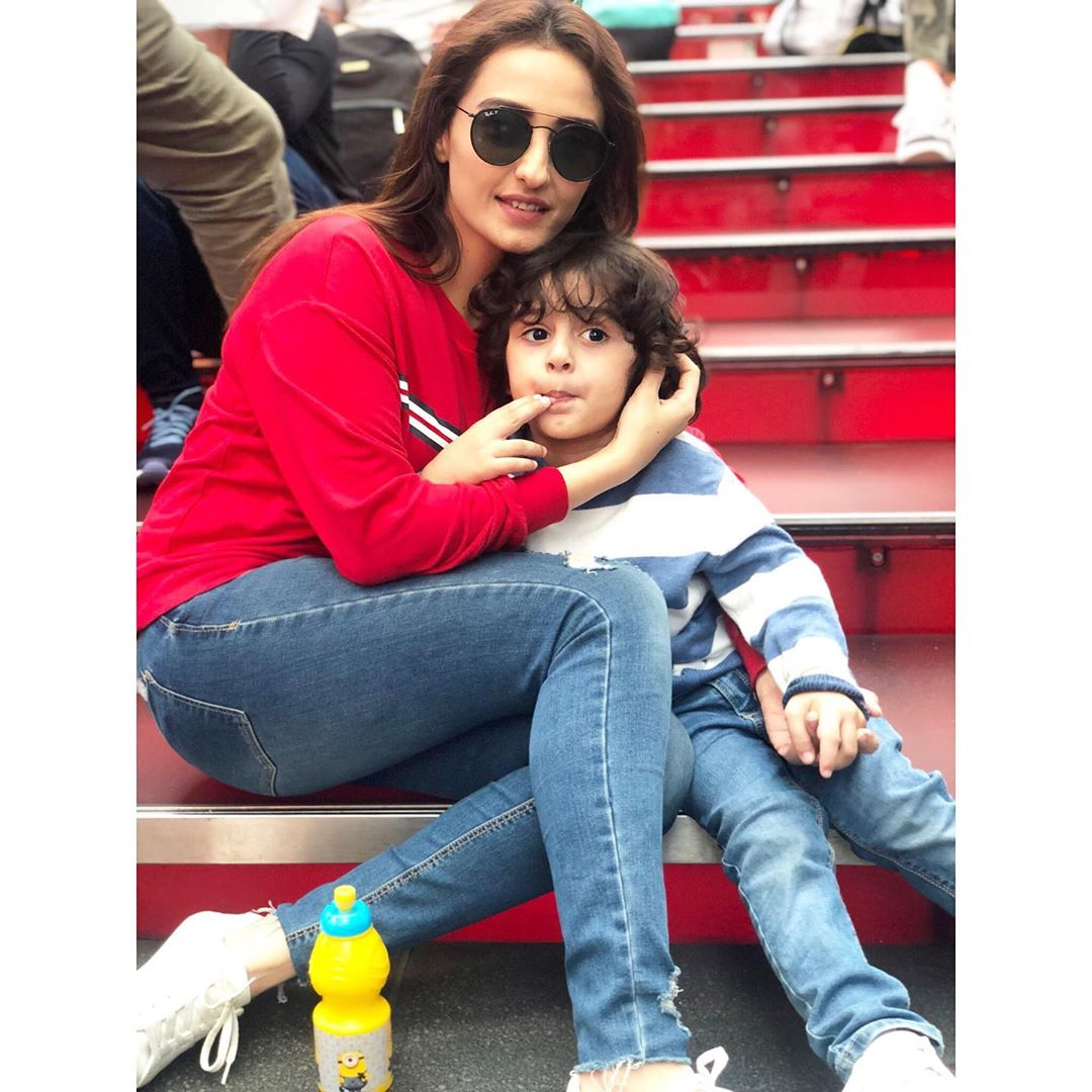 Awesome Photos of Momal Sheikh with her Husband and Son