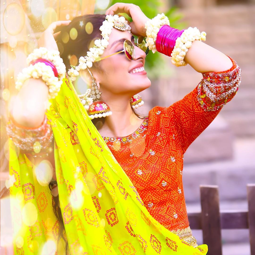 Awesome Actress Ayeza Khan in Unique Style   New Clicks from the Serial Yaariyan