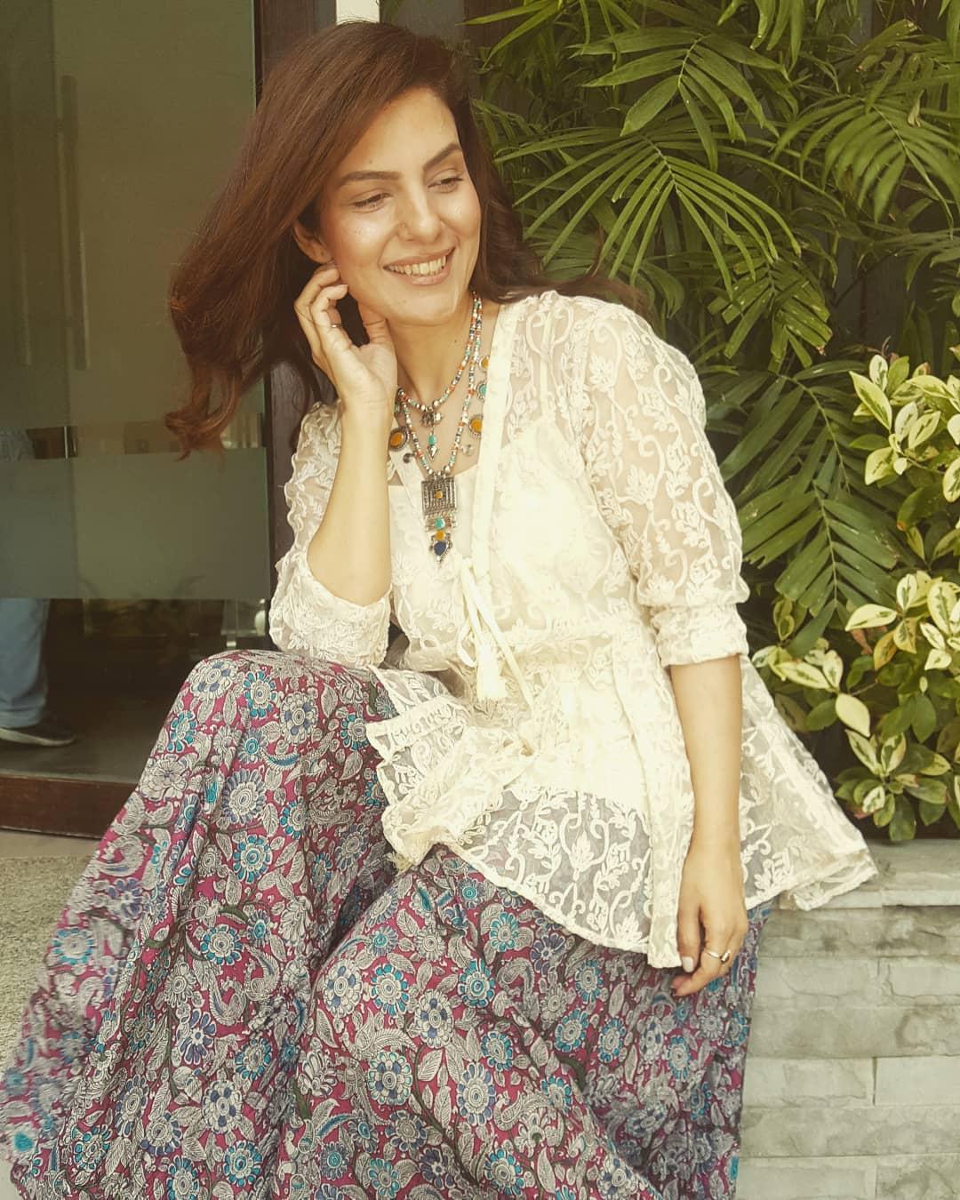 Famous Host Kiran Khan Looking Stunning in New Clicks