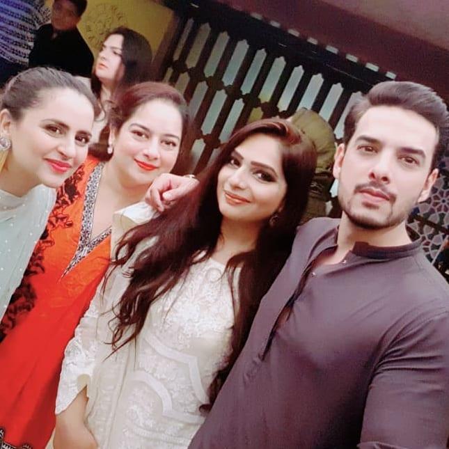 Beautiful Fatima Effendi and Kanwar Arsalan Enjoying with Kids