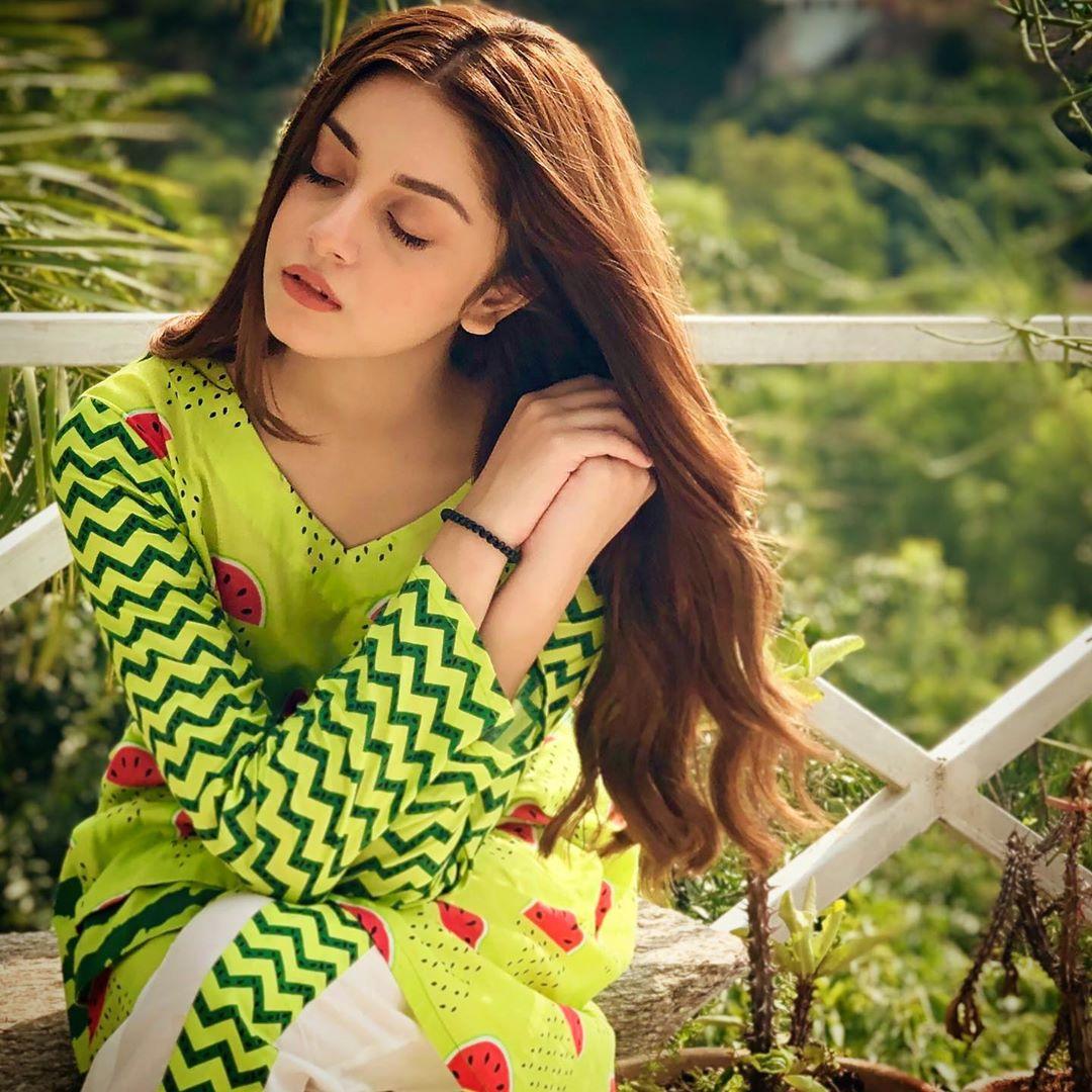 Beautiful Star Alizeh Shah New Clicks