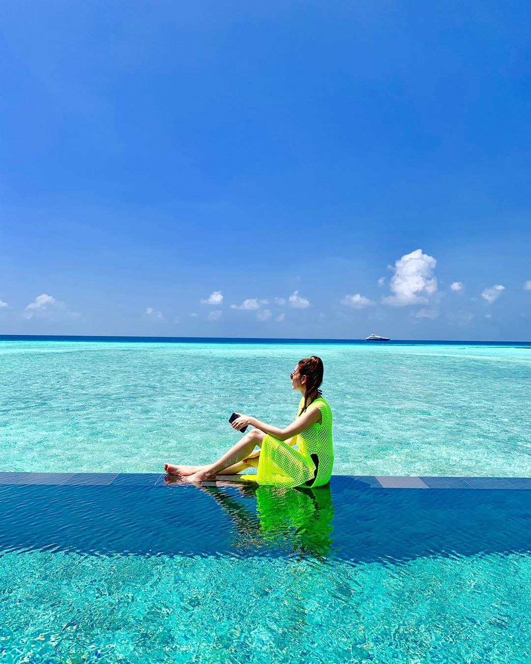Blue Water & Beach - Model Abeer Rizvi Awesome Clicks from Maldives