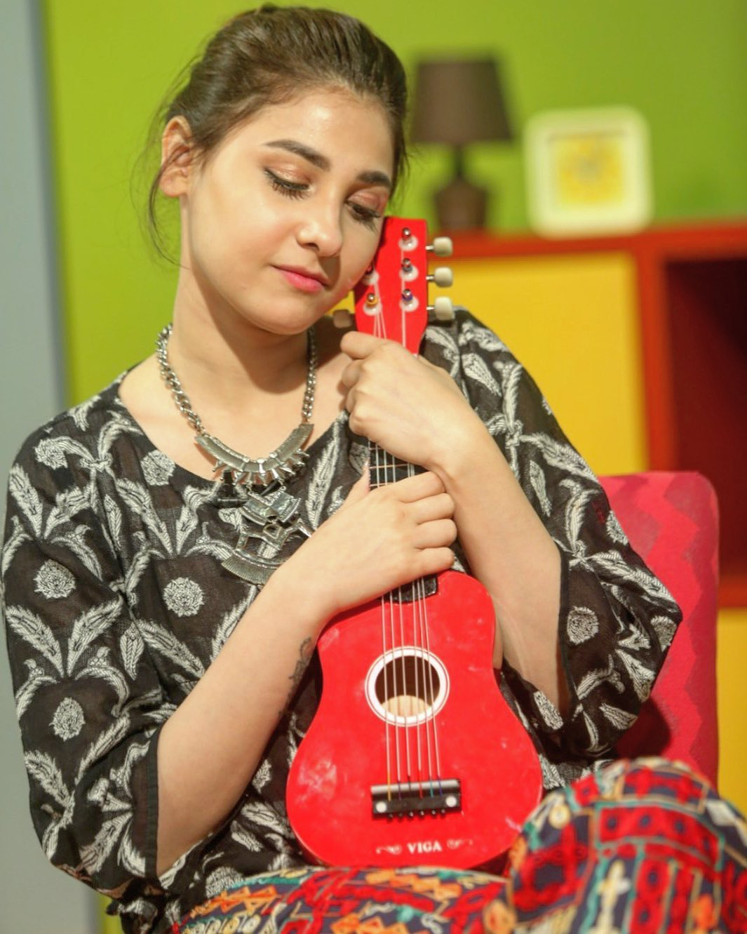 New Awesome Pictures of Actress Hina Altaf