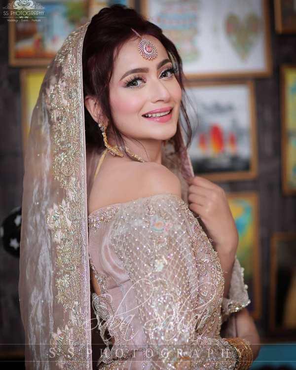 New Awesome Bridal Shoot of Actress Zarnish Khan