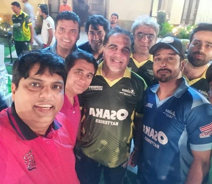 Pakistani Celebrities Playing Cricket 13
