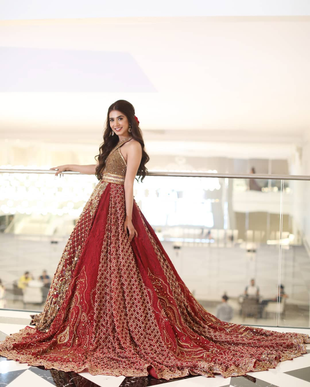 Awesome Pictures of Actress Mansha Pasha