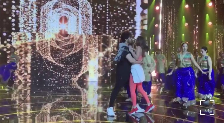 Mehwish Hayat And Ahsan Khan Dance Rehearsal For 7th Hum Awards