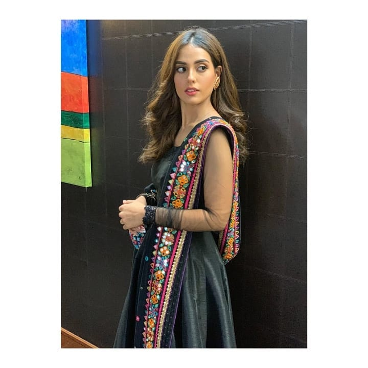 Beautiful Iqra Aziz Dazzles In A Black Anarkali Dress