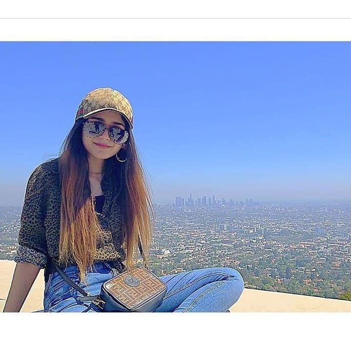 Aima Baig Enjoying Vacations in California with Friend