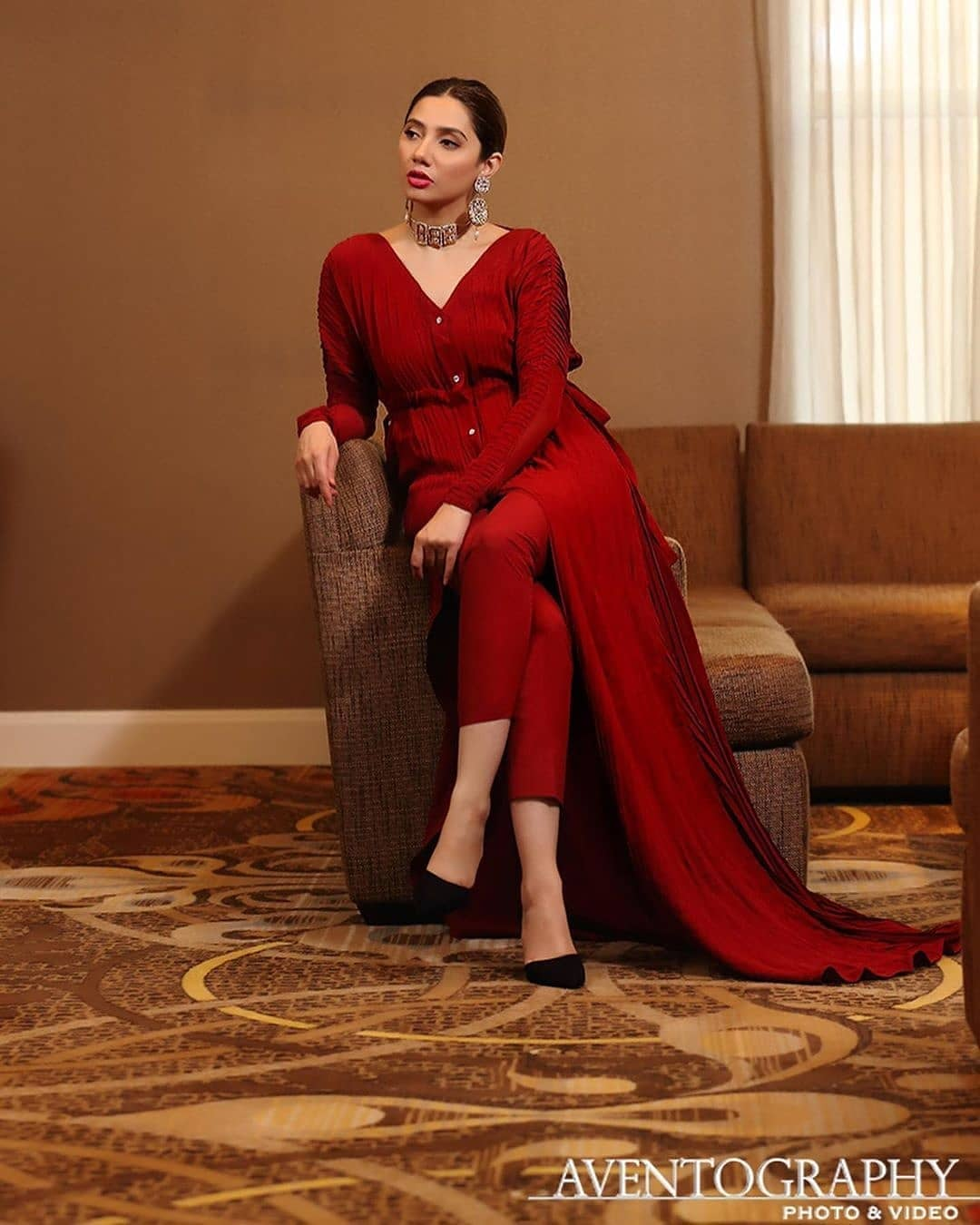 Awesome and Beautiful Actress Mahira Khan New Pictures