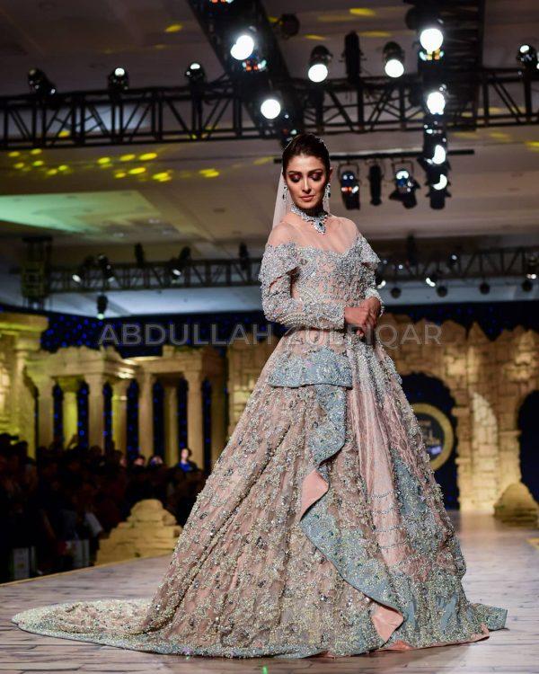 Awesome Ayeza Khan Walked for Aisha Farid at HBCW19