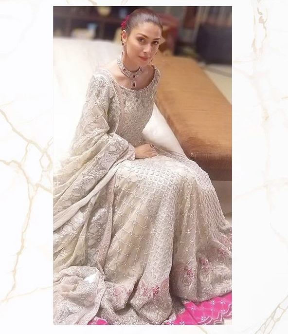 Bridal Dress Wore By Ayeza Khan In MPTH Cost 1 Million Rupees