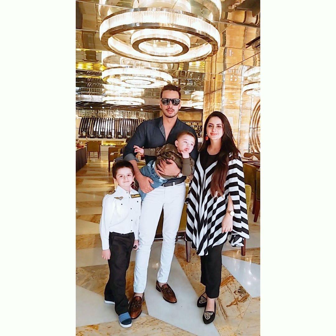 Fatima Effendi and Kanwar Arslan Beautiful Clicks with Kids