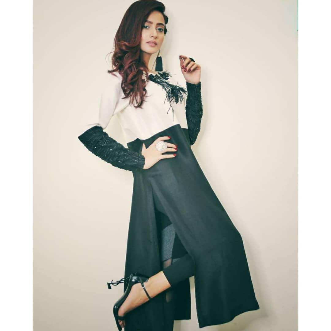 Latest Clicks of Beautiful Actress Zarnish Khan