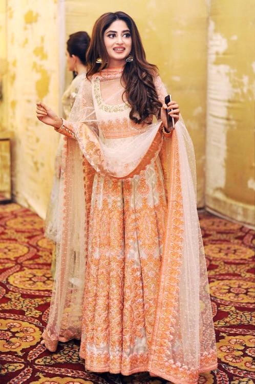 Pakistani Celebrities Giving Party Wear Ideas 2020