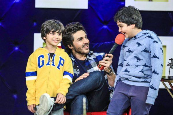 Ahsan Khan with his kids