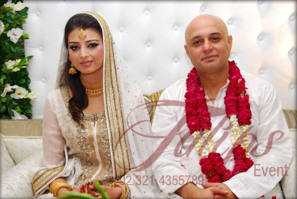 Singer Ali Azmat with his Wife and Kids New Clicks