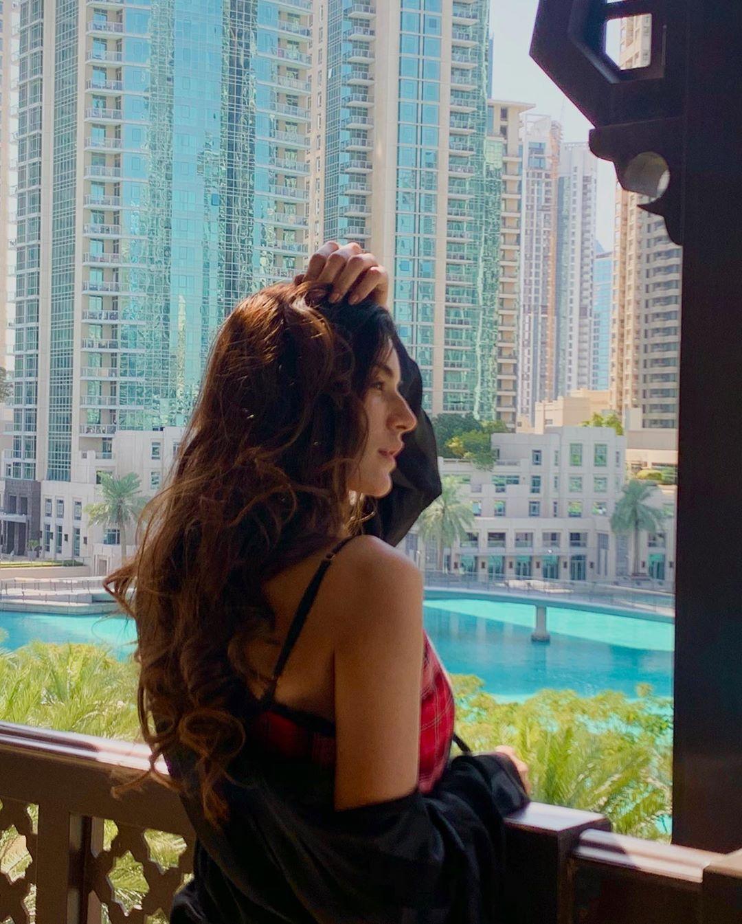 Actress Sadia Khan's Latest Beautiful Clicks from Dubai
