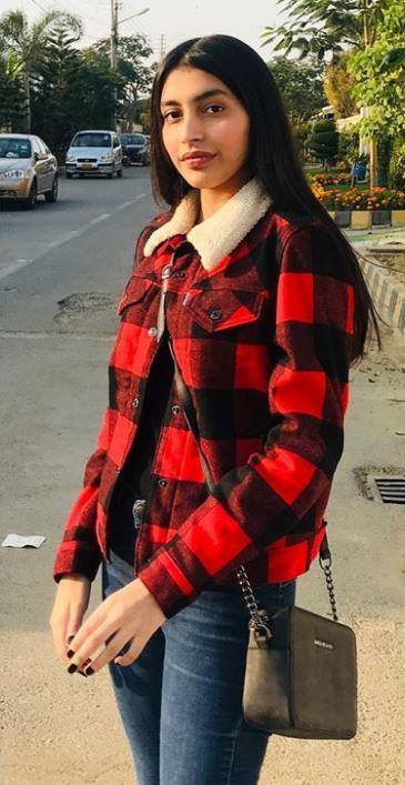 Nida and Yasir Nawaz Daughter Silah Yasir Latest Pictures