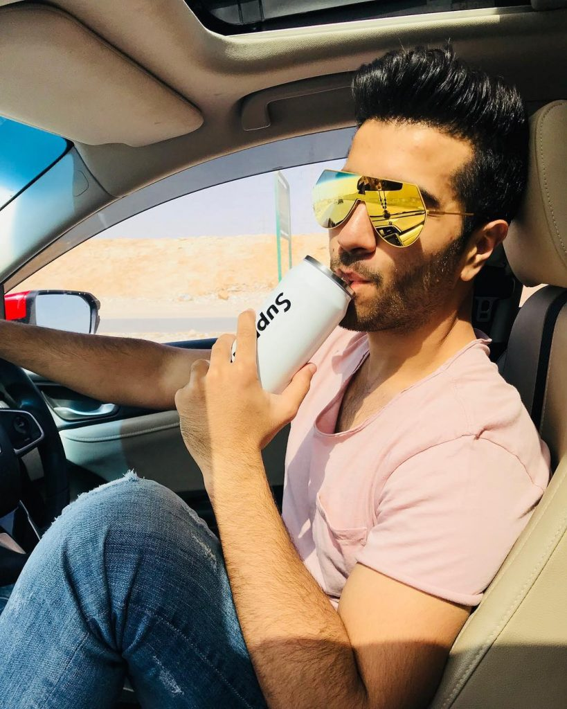 Here's Why Feroze Khan Deleted His Instagram Account