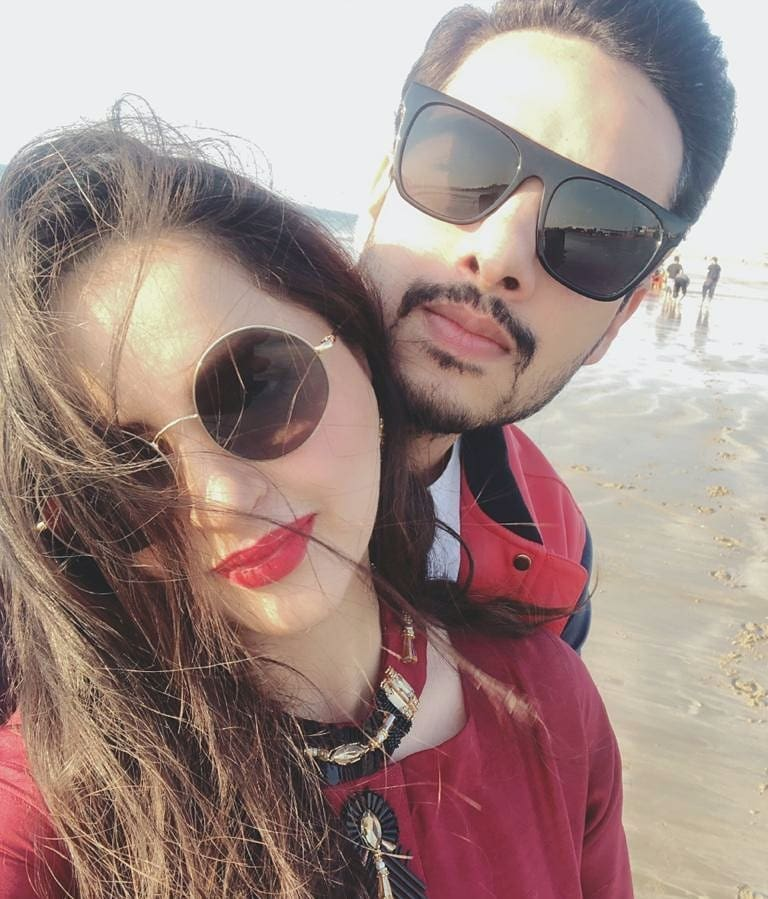 Fatima Effendi and Kanwar Arsalan Latest Pictures with Kids from Beach