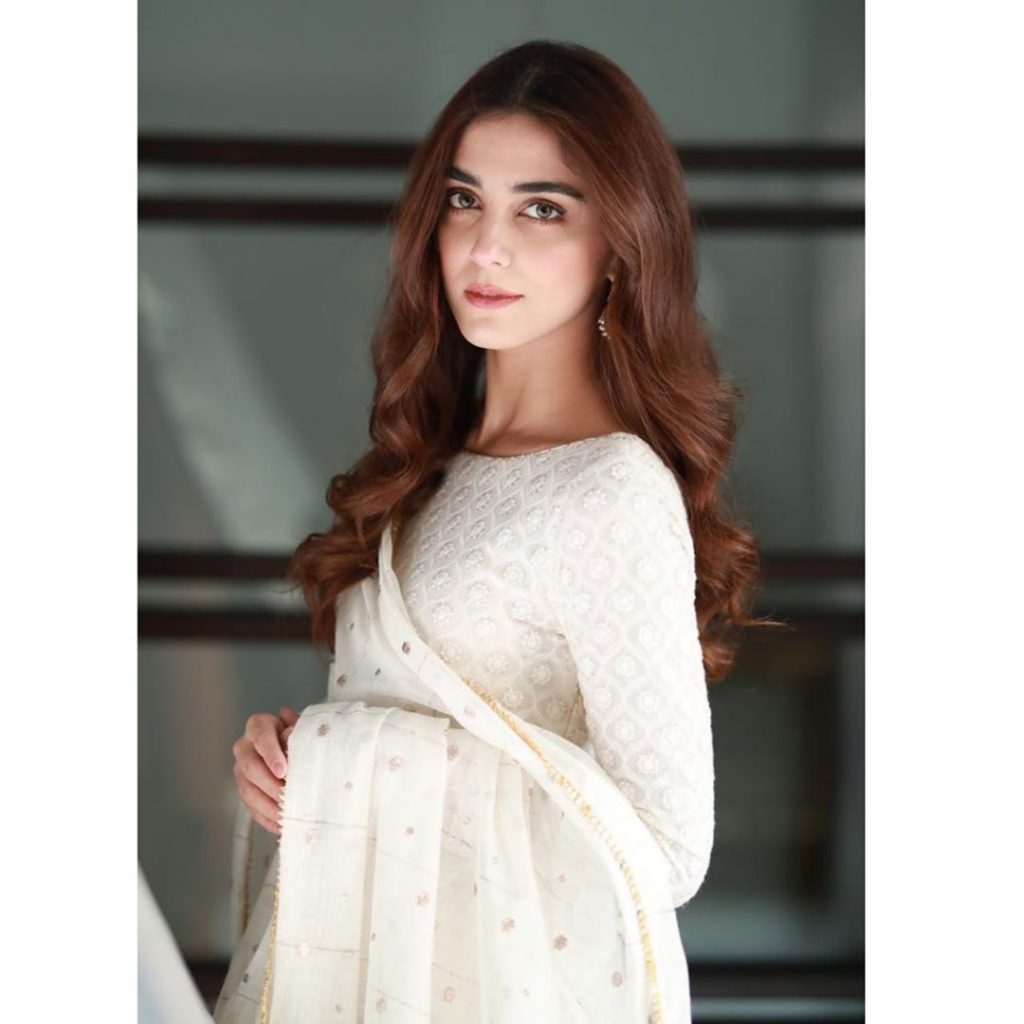 Maya Ali Cried During Live Chat With Fans 32