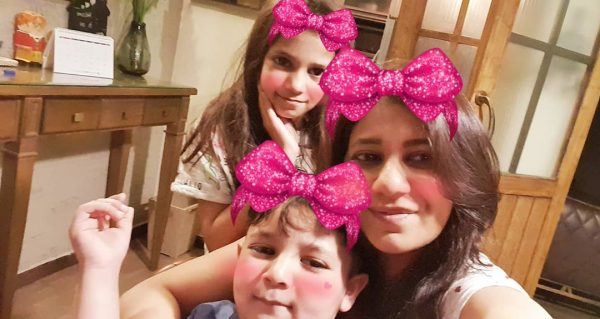 Family Time | Clicks Fahad Mustafa with his Wife and Kids