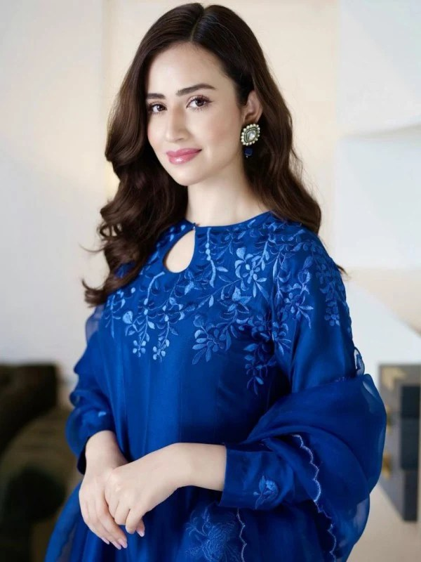 Sana Javed Gorgeous Pictures from Jeeto Pakistan