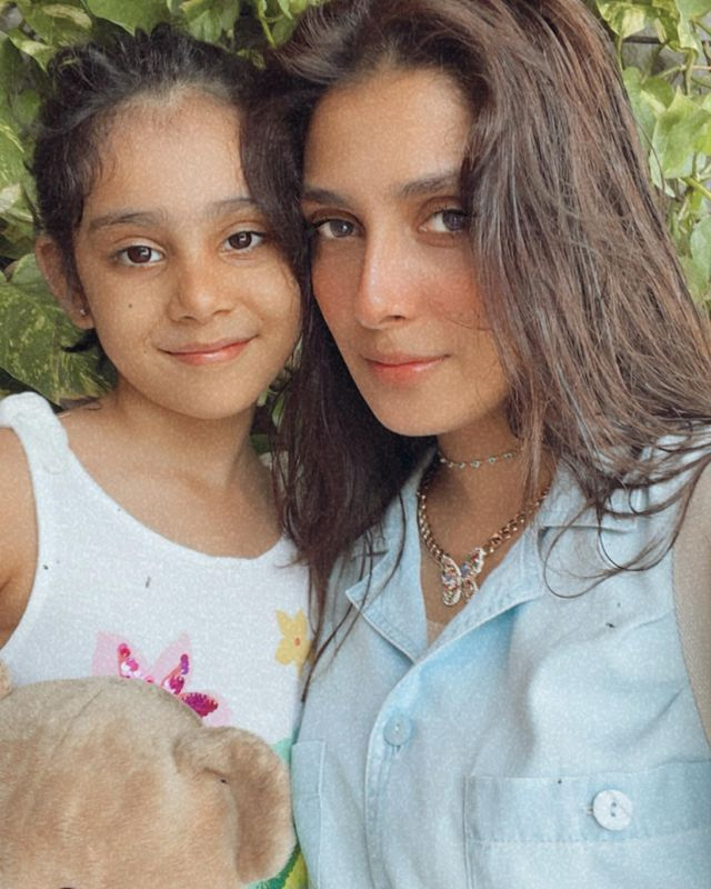 Ayeza Khan Celebrates Daughters Day with her little Hoorain