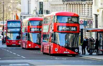 0_London-double-decker-red-buses