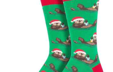 otter-christmas-mens-socks-cute_2048x