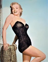 Marilyn-Monroe-en-Maillot-Catalina-pour-LOVE-NEST-1951--de-Joseph-Newman-Copyright-Bridgemanimages
