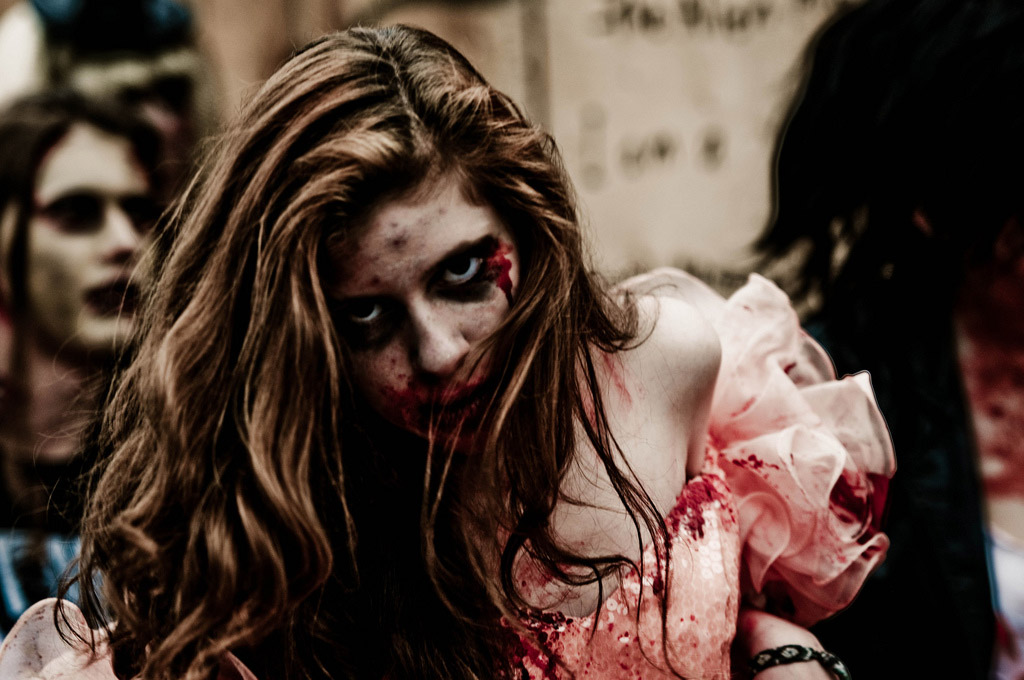 Funny Indian Girl Wallpaper 16 Sexy Zombie Pictures That Will Make You Meet The