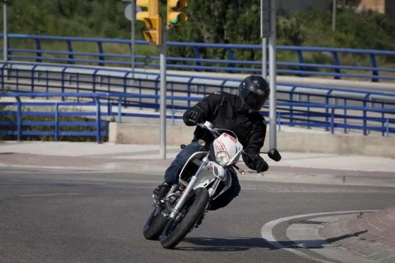 Derbi-Senda-DRD-Racing-2011-019
