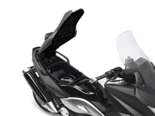 Yamaha T-MAX-TECH-MAX-2010-009