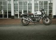 LD_-_Triumph_-_Thruxton_Ace_-_1041