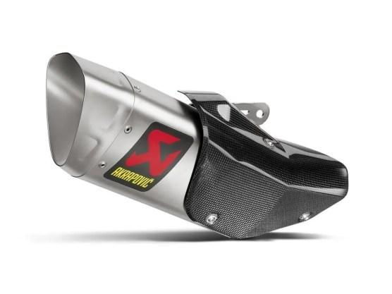 2015-yamaha-yzf-r1-receives-motogp-like-titanium-exhaust-from-akrapovic_3