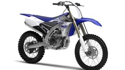 2016-Yamaha-YZ450F-EU-Racing-Blue-Studio-001