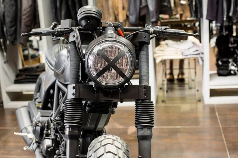 Ducati Scrambler Sixty2 Revolution (3)