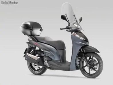 Honda Scoopy generacion 5 (2)